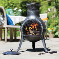 The Squat chimenea is the perfect addition to your smaller outside space. It may be small but it is certainly up to the job and is finished in an appe