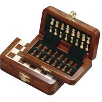 Folding Magnetic Chess Set