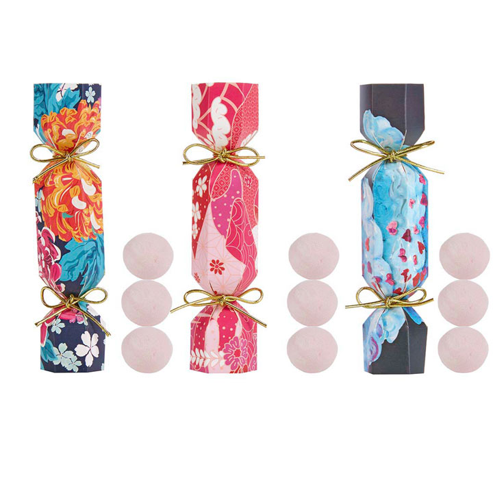 Spa-like Relaxation - Crackers / Soap Flowers