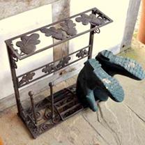Acorn Boot Stand