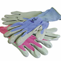 These tough yet lightweight gloves are like a second skin, allowing flexibility and mobility for intricate tasks like pricking out. Their nylon liner