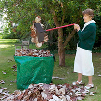 Grab n Lift The easy way to grab and dispose of piles of leaves, grass clippings and other rubbish, without having to bend down. It's light and easy t