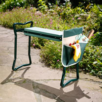 Take the strain out of gardening with this comfortable Garden Kneeler. Complete with a convenient pocket with 7 compartments to keep your tools close