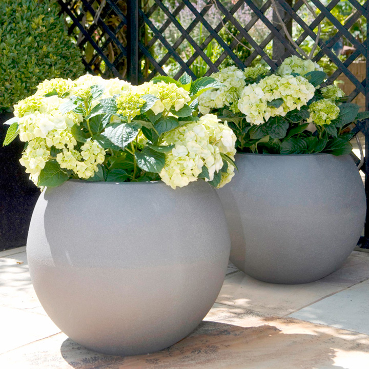 Tutch Planter - Grey Ball-shaped