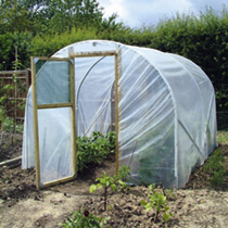 Polytunnels with plates and rails