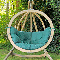 Stylish in appearance and wonderfully comfortable in use, this luxury swing seat is the place to relax. Beautifully crafted from Sprucewood, its fitte