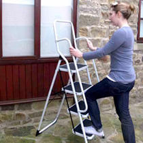 Step Ladder with Safety Rails
