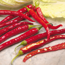 A great chilli, producing good crops of slender chilli peppers that will certainly spice up your culinary life! Rating 30,000-50,000 SHU (Rating measu