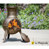 This fantastic traditionally styled chimenea is perfect for a smaller garden, terrace or balcony. Made from durable Steel/Cast Iron and coated in a hi