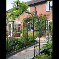 Gothic Arch 1.5m with Lattice & Patio Feet