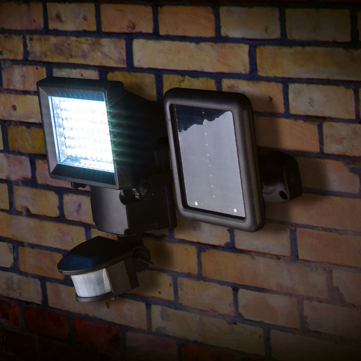 Black Solar Security Light with Motion Sensor - 400 lumens