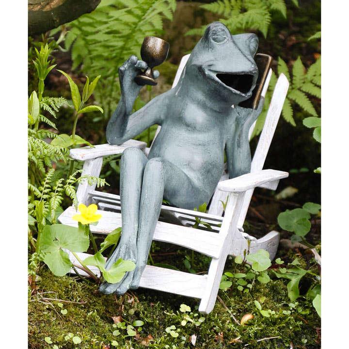 Metal Drinking Frog